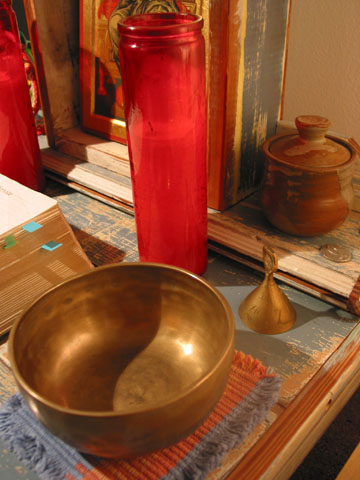 Singing bowl and alleluia bell